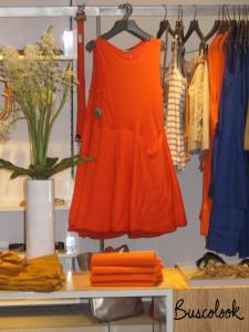 vestido naranja tienda cos de hm en madrid