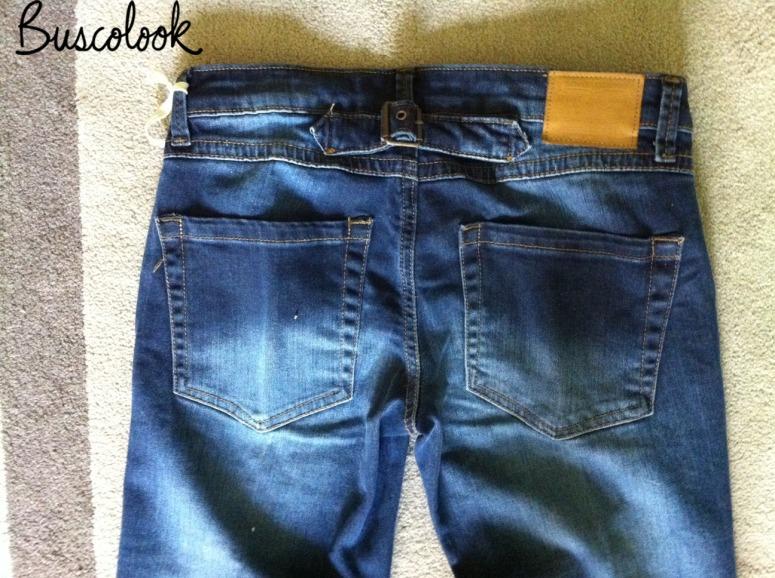 vaqueros jeans campana parte de atrás mango