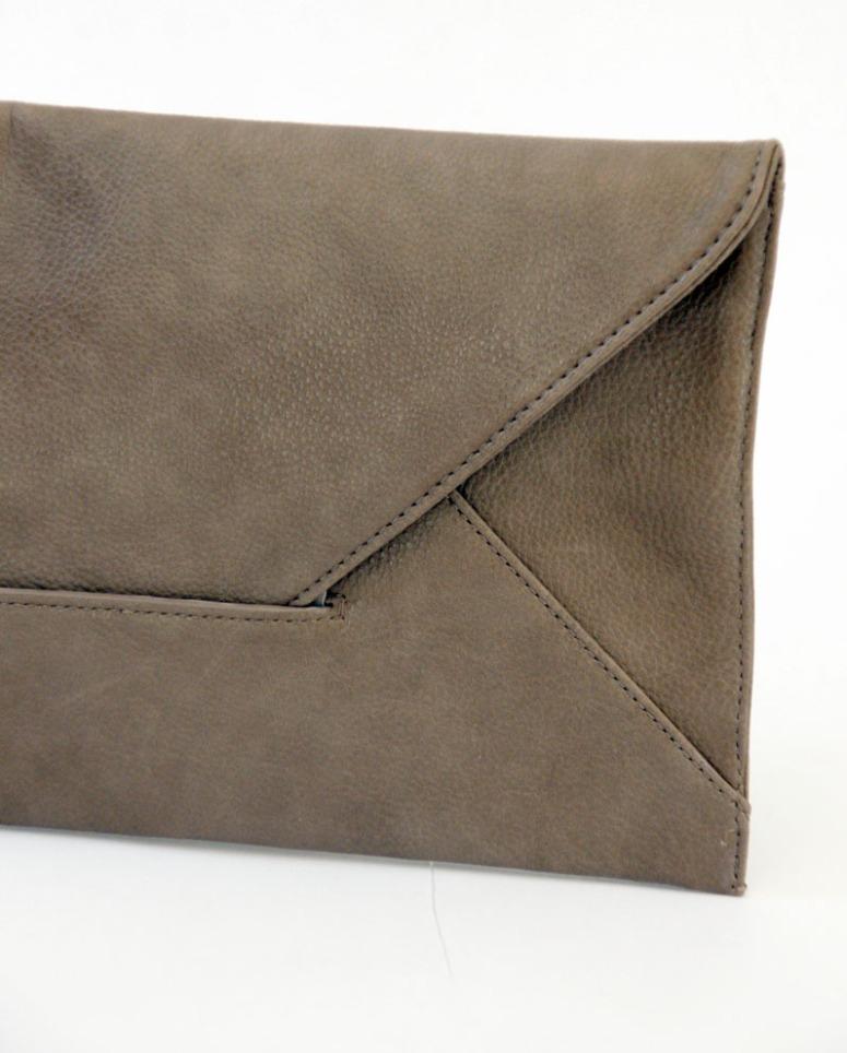 bolso cartera color topo