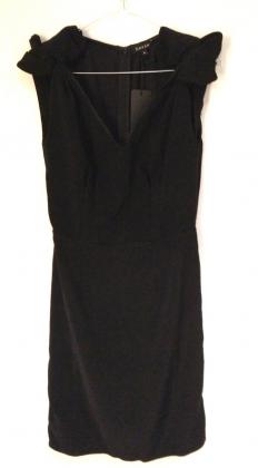vestido-negro-sayan