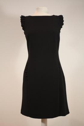 vestido-negro-una-caja-de-botones