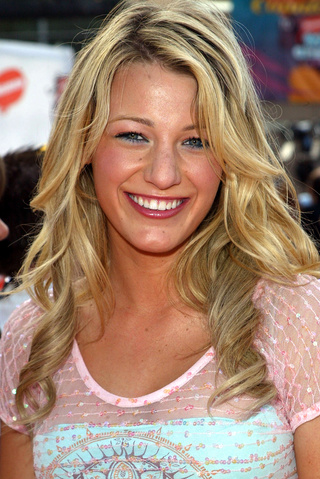 blake lively joven fea