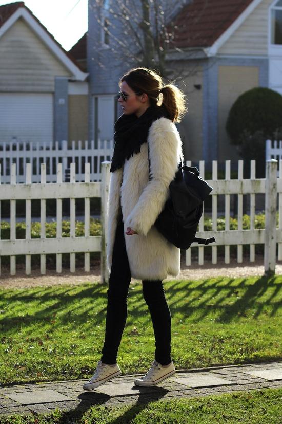 abrigo-pelo-blanco-converse