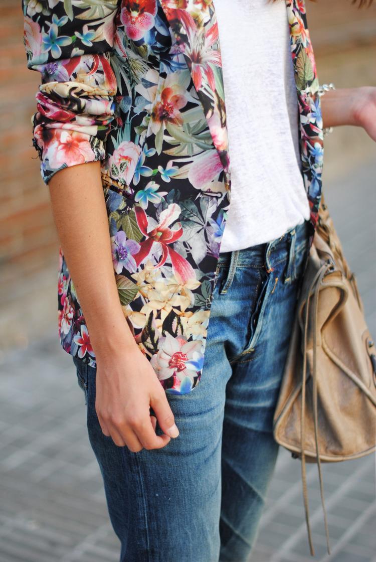 details, floral blazer, replay laserblast jeans, boyfriend jeans