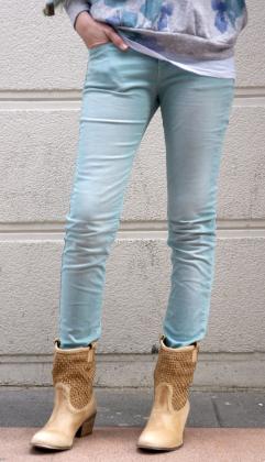 pantalon-mint-botas-cowboy