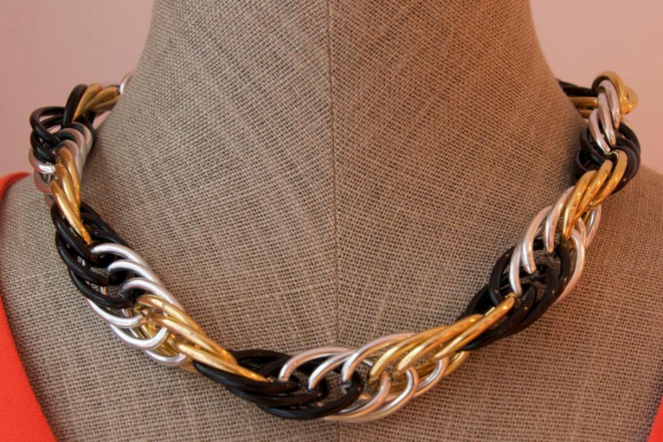 collar negro oro plata cosette