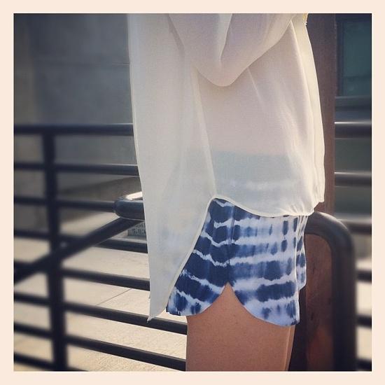 tie-dye-shorts-blue