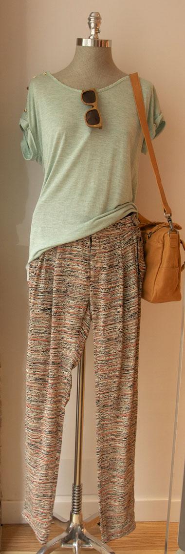 look pantalones estampados