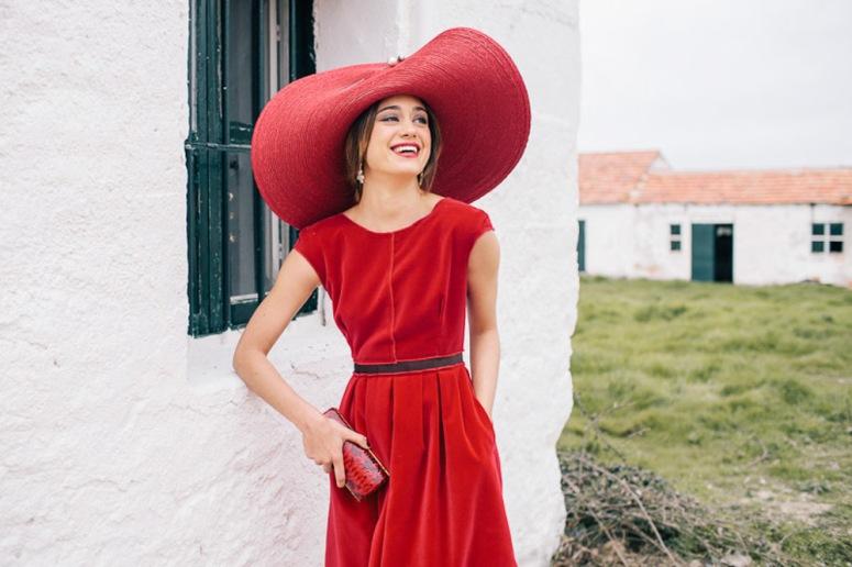 nacho-aguayo-mimoki-look-invitada-boda-rojo