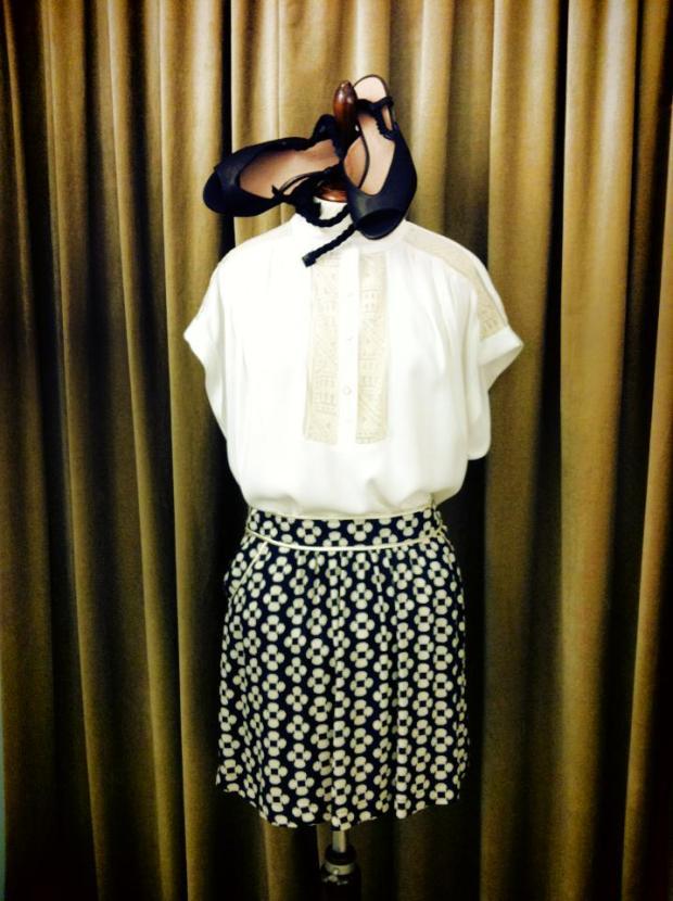 falda_blanco_negro_camisa_blanca