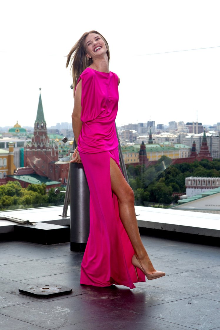 rosie_huntingtonwhiteley-pink-dress