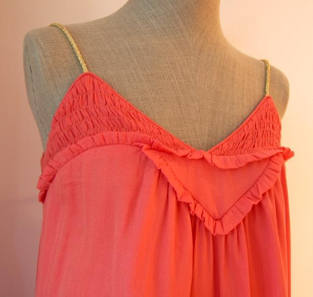 vestido coral detalle cosette le marais
