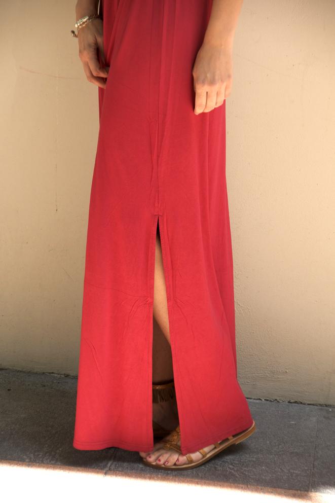 vestido rojo raja falda