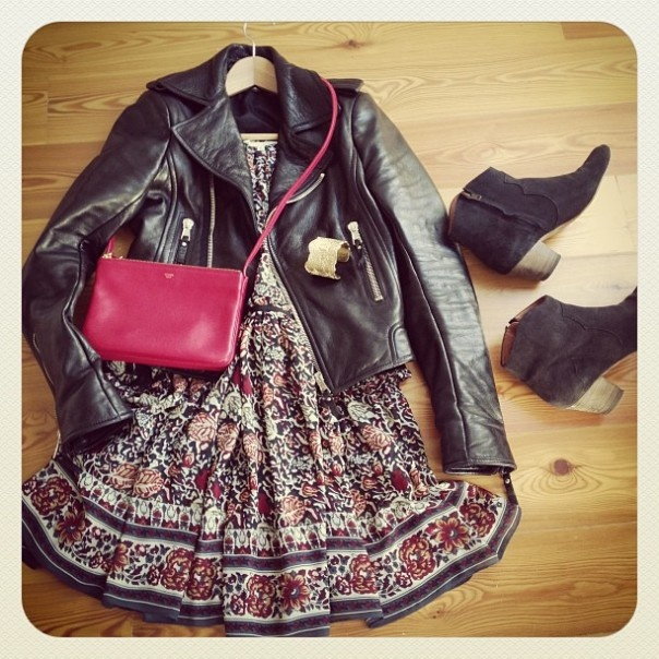 look-theworkinggirl-summer-dress-boots-leather-jacket