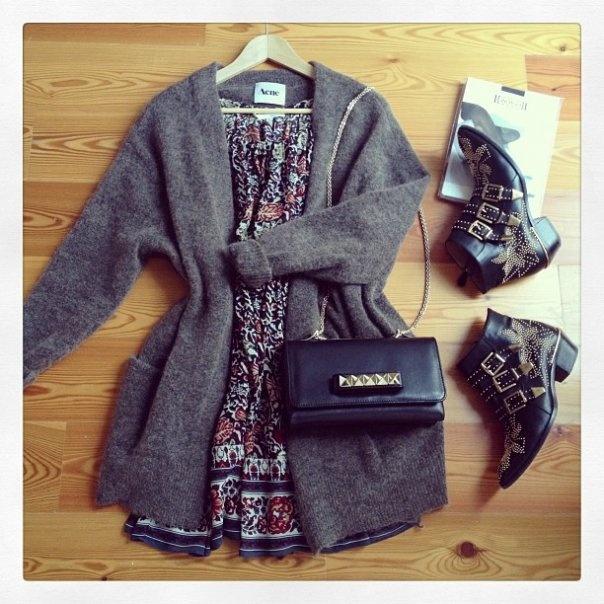 look-theworkinggirl-summer-dress-cardigan-boots
