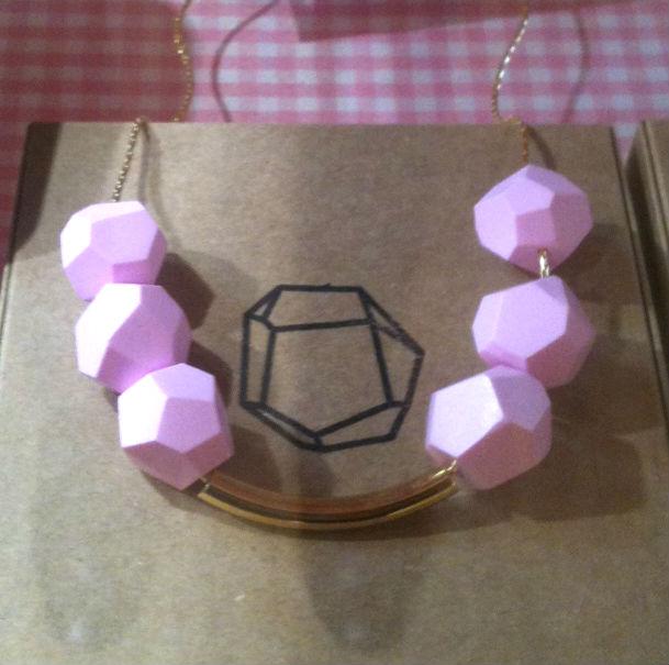 collar-pedrusco-rosa