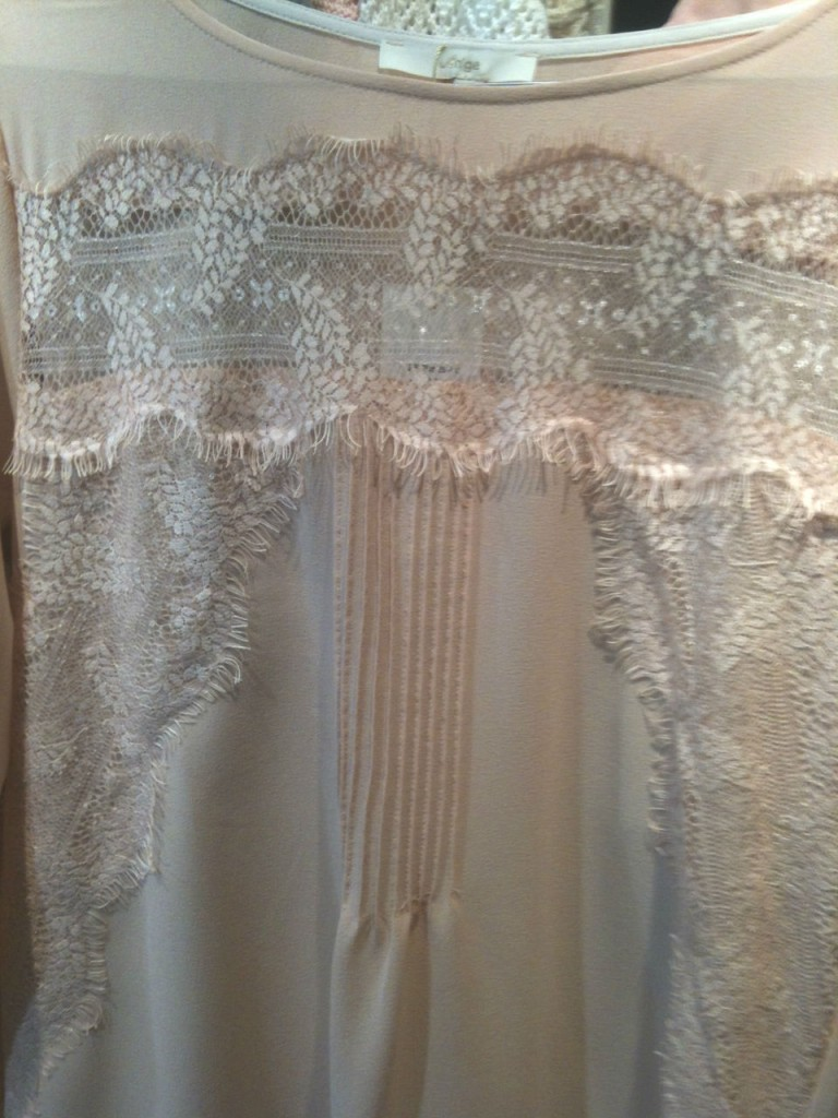 detalle-camisa-encaje-buscolook-bilbao-768x1024