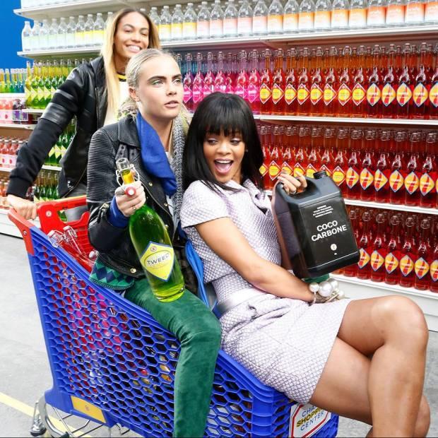 desfile-chanel-2014-supermercado-rihana_files