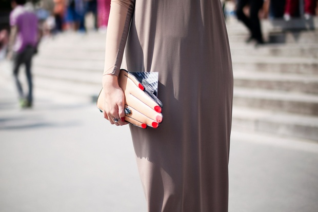 bolsos_iconicos_finger_front_row_shop_street_style3