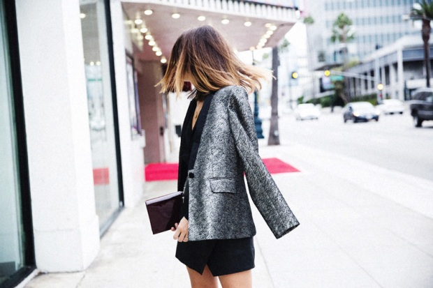 Karen_Millen-Chrismas_Wishlist-Collage_Vintage-Leather_Skirt-Burgundy_Bag-Silver_Blazer-Outfit-Street_Style-23Karen_Millen-Chrismas_Wishlist-Collage_Vintage-Leather_Skirt-Burgundy_Bag-Silver_Bla