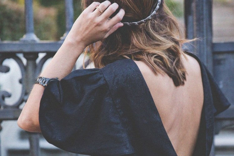 Party_Outfit-Open_Back_Dress-Bow_Dress-Pepa_Loves-Crown-Outfit-Street_Style-40-790x527