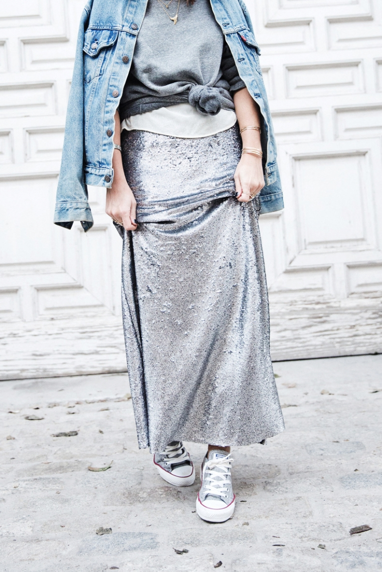 Sequined_Maxi_Skirt-Casual_Party_Outfit-Sweatshirt-Converse-Urban_Outfitters-Collage_Vintage-18Karen_Millen-Chrismas_Wishlist-Collage_Vintage-Leather_Skirt-Burgundy_Bag-Silver_Blazer-Outfit-Stre