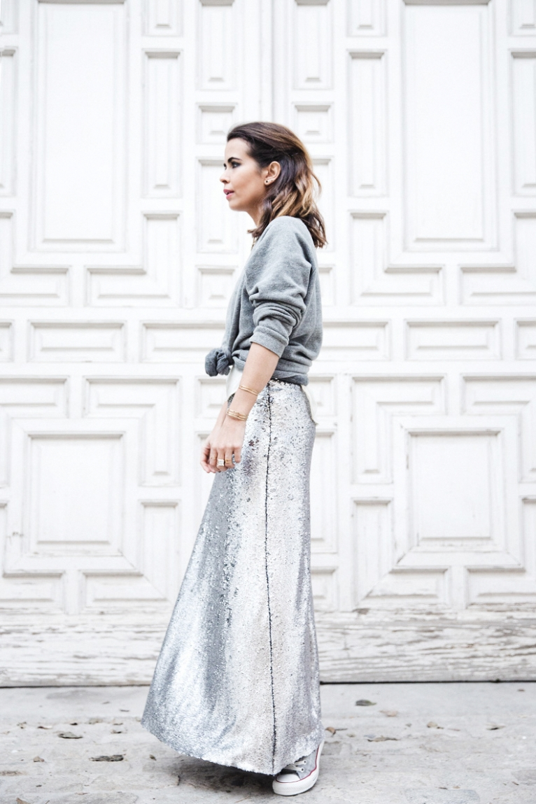 Sequined_Maxi_Skirt-Casual_Party_Outfit-Sweatshirt-Converse-Urban_Outfitters-Collage_Vintage-36Karen_Millen-Chrismas_Wishlist-Collage_Vintage-Leather_Skirt-Burgundy_Bag-Silver_Blazer-Outfit-Stre