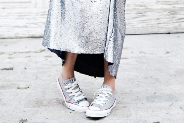 Sequined_Maxi_Skirt-Casual_Party_Outfit-Sweatshirt-Converse-Urban_Outfitters-Collage_Vintage-66Karen_Millen-Chrismas_Wishlist-Collage_Vintage-Leather_Skirt-Burgundy_Bag-Silver_Blazer-Outfit-Stre