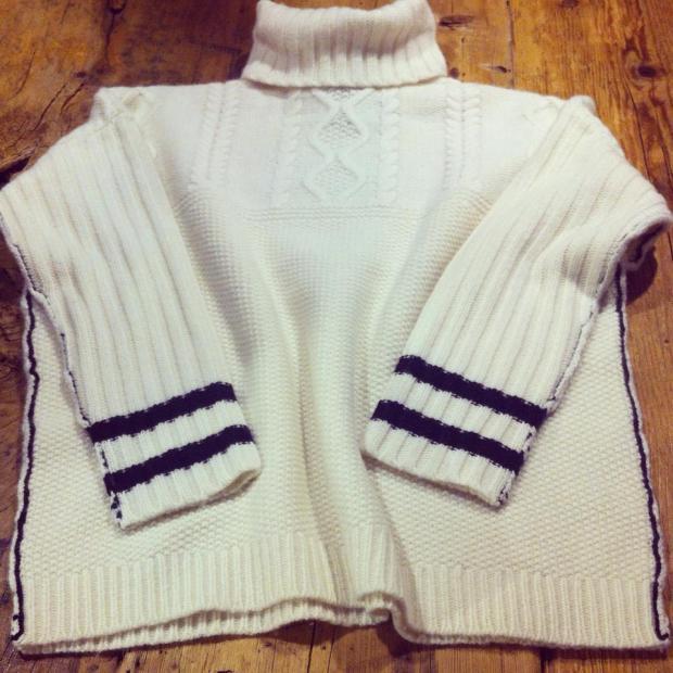 THECLOSET_jersey_beige_moda_look_cuello_vuelto_fashion