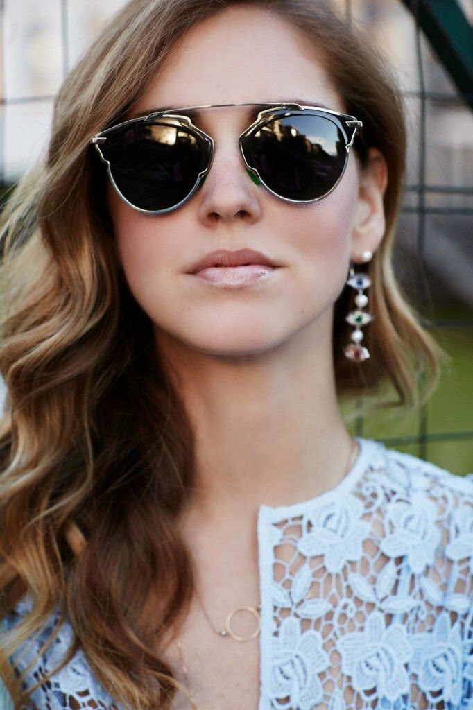 chiara ferragni con el modelo dior so real en negro, gafas de tendencia, tendencias en gafas, lo último en gafas, gafas de moda, dior, gafas dior